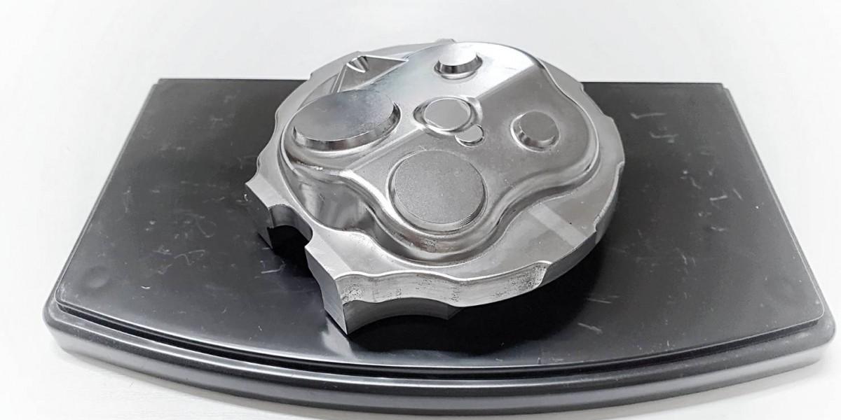 自動車エンジン部品試作型