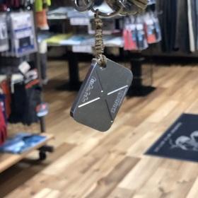 キャンプ用品店さまからのご依頼 オリジナルキーホルダー